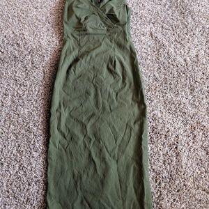Dresses & Skirts - Green stretch midi dress.